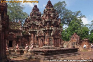 Peace of Angkor photo adventure tours siem reap cambodia banteay srey srei temple tour